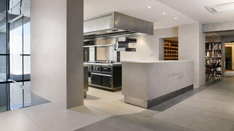 L Escaleta отмечает 40-летие и обновляет свою кухню, используя XTONE